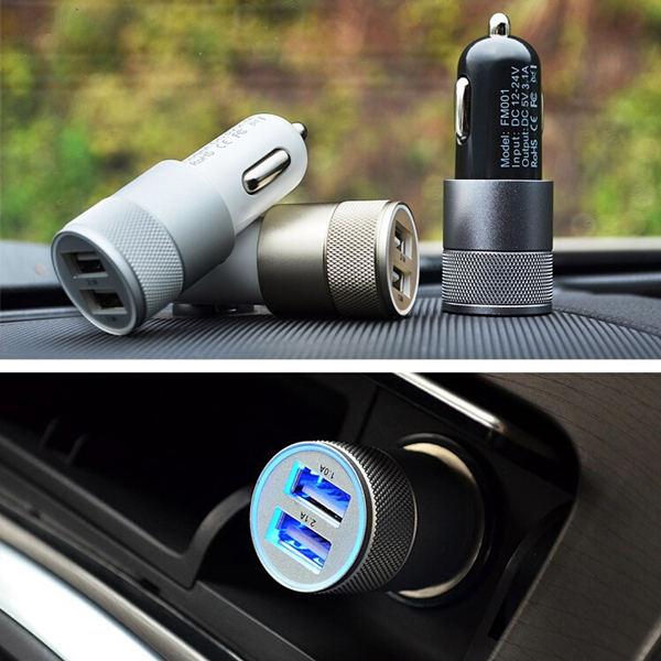 12/24V Replacement Double USB Ports Universal Car Charger For iPhone iPhone 5 5S 5C