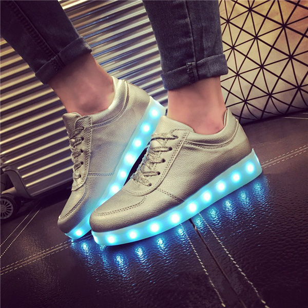 Barn Tonåring LED-ljus Sneakers PU läder Kid Casual Shine Boys Girls Lace Sports Gummi Skor