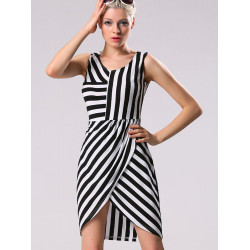 V Neck Black White Stripe Sleeveless Irregular Dress Plus Size
