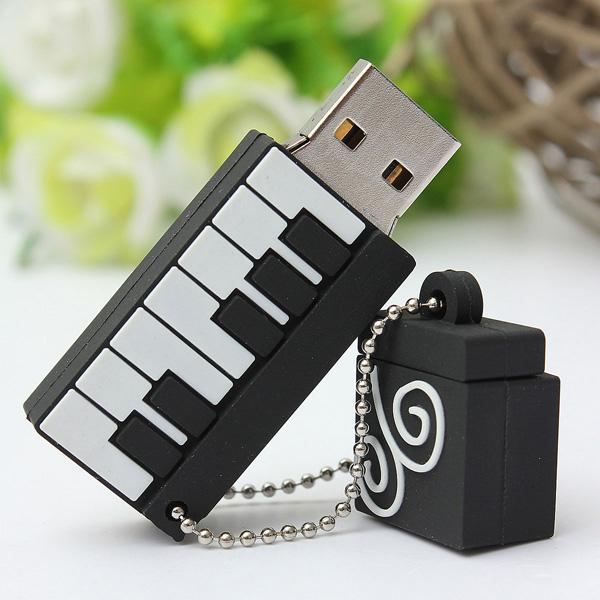 8GB Piano Modell Elegant USB-minne USB 2.0 Minne Thumb Minne U Disk Hårddiskar & Lagring