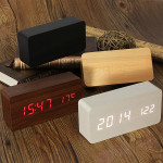 USB / AAA Wooden Digital Vækkeur Temperatur Lyd Control Elektronik Tilbehør & Gadgets