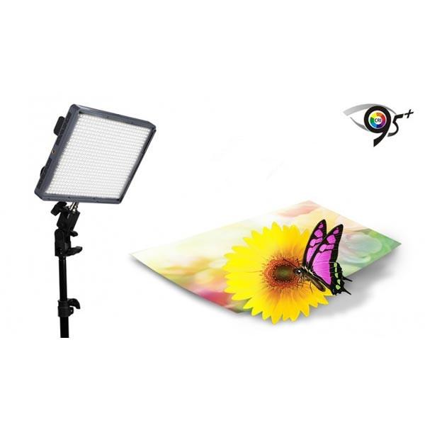Aputure Amaran HR672C CRI95 + Studio Videoleuchte LED Fotolicht einstellbare Farbtemperatur Licht Foto & Kamerazubehör