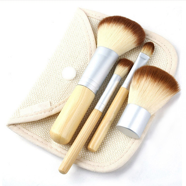 4 pcs Bamboo Handle Powder Blush Makeup Cosmetics Brushes Set Makeup