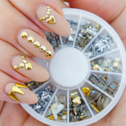 6 Styles Mix Shape Guld Silver Alloy Stud Nagelkonst Dekoration Hjul
