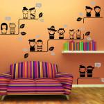 Netter Karikatur Puppen Schlafzimmer TV einstellen Aufkleber Wand Plakat Haus Dekoration