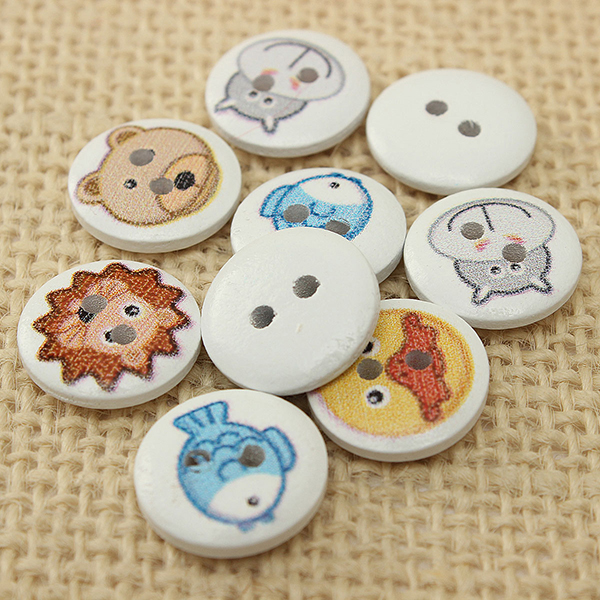 100pcs Mixed 2 Holes Animal Round Wooden Buttons Sewing Scrapbooking Home Textiles