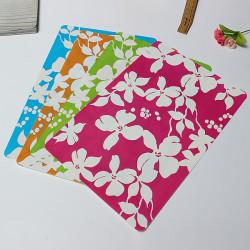 4 Stück Blumenmuster Weiße Blumen Bunte PVC Untersetzer