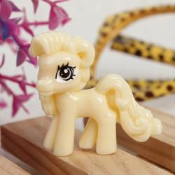 10st Beige Gullig Tecknad Flatback Resin Pony DIY Dekoration
