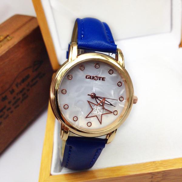Casual Rhinestone Star Leather Band Wrist Watch Watch