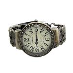 Arbeiten Sie Weinlese Frauen runde Skeleton Armband Quarzuhr Uhren