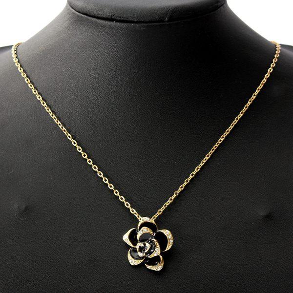 Black Enamel Rose Flower Kæde Vedhæng Halskæde Kvinder Smykker Damesmykker