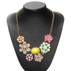 Böhmen Gold überzogene bunte Kristallblumen Aussagen Halskette