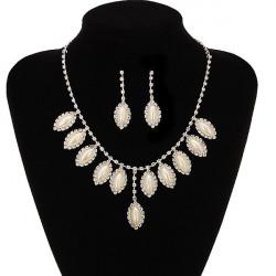 Hochzeits Oval Perlen Kristallhalsketten Ohrringe Hochzeit Schmuck Set