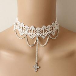 Gothic Rhinestone Kors Hänge Vit Lace Krage Necklace