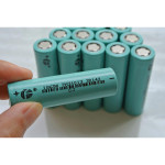 1pcs FST18650-2200 18650 2200mAh 3.7V Li-ion Rechargeable Battery Flashlight