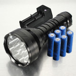 Trust 15000lm 12x CREE XM-L T6 LED Ficklampa med Batteriladdare Ficklampor
