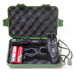 UltraFire CREE XM-L T6 1600lm Zoomable LED Flashlight