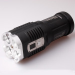 Uniquefire 4xCREE XM-L2 3500LM Super Bright LED Ficklampa Svart Ficklampor