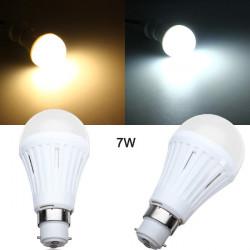 B22 7W SMD3024 Dæmpbar Varm Hvid / Hvid LED Lys Globe Pære 200-260V