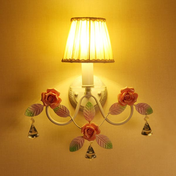 Country Style Fashion Ceramic Roses And Iron Wall Lamp 85-220V Wall Lights