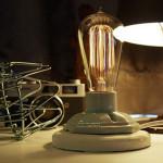 E27 Industrial Bordlampe Med Justerbar Lystyrke Vintage Pære LED Belysning