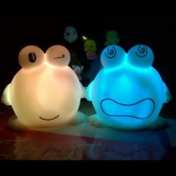 Novelty Big Eyes Frog Färg Skiftande LED Night Ljus Lampa Jul