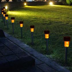 Solarbetriebene Außen Garten LED Landschaft Pfad Kunststoff Spotlight Rasen