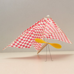 ZT Gummi Powered Parasol Glider A012 Flygplan Plane Assembly Modell