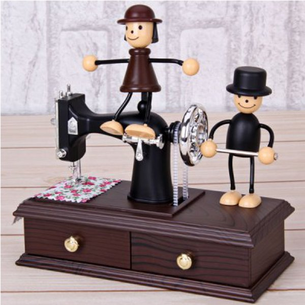 Schöne Puppe Schieben Nähmaschine Uhrwerk Spieluhr Musikinstrumente
