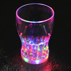 Farverige LED Flash Lys Cup Whisky Shot Drink Glas Cup Beer Bar