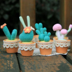 Poke Poke Fun DIY Potted Plant DIY Plush Phone Chain
