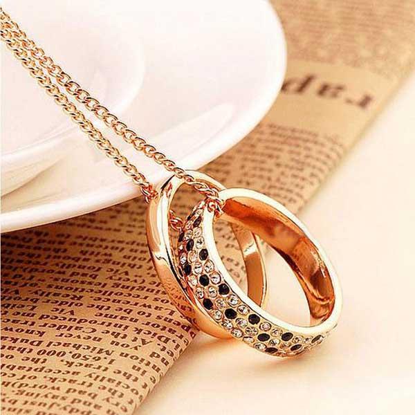 lang guld halskæde