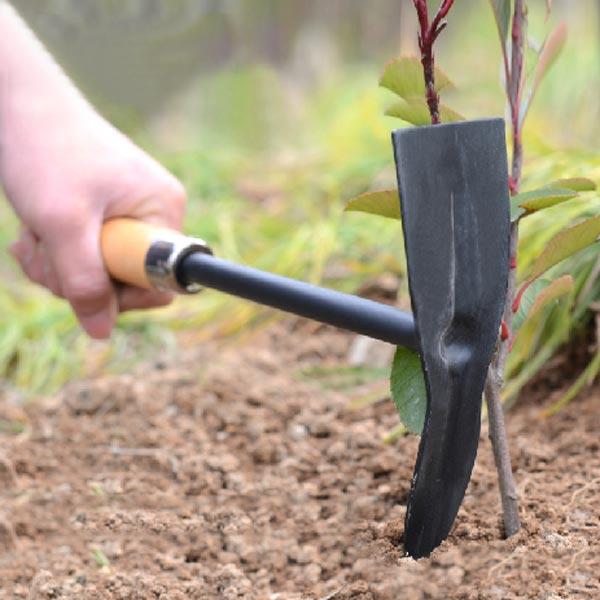 K p tr handtag st l pickaxe huvud hoe tr dg rdsredskap for Gardening tools description